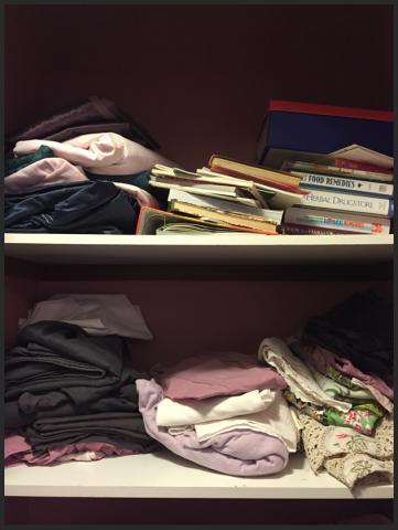messy linen, disorganised linen, disorganized linen